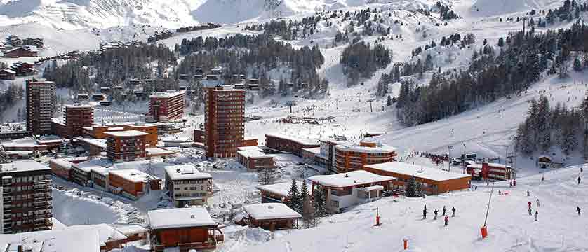 france_paradiski-ski-area_la-plagne_resorts_centre.jpg